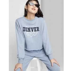 NWT Wild Fable Cropped Denver Sweatshirt Crewneck